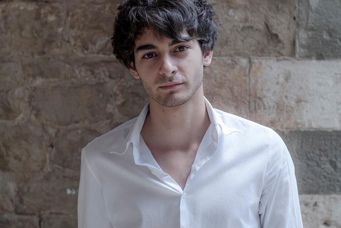 Giovanni, actor, Roma (2010)