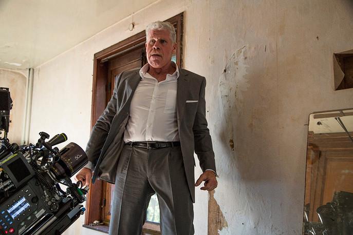 Ron Perlman sur le tournage de MOONWALKERS
