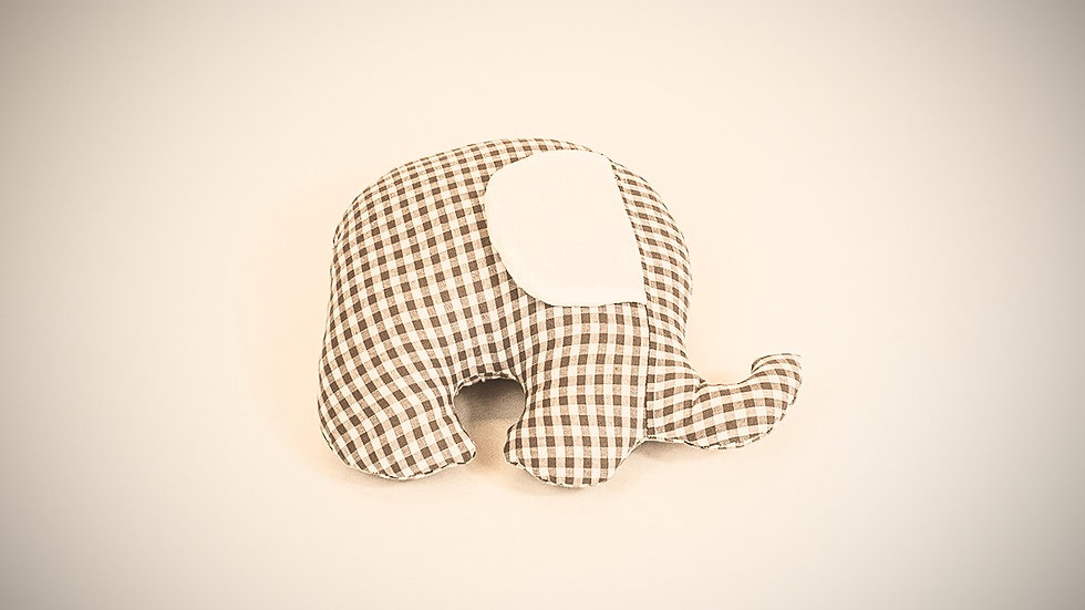 Petit éléphant câlin vichy taupe