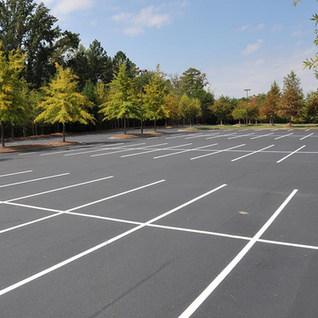 Forest Hills Fine Arts Auditorium Parking Lot