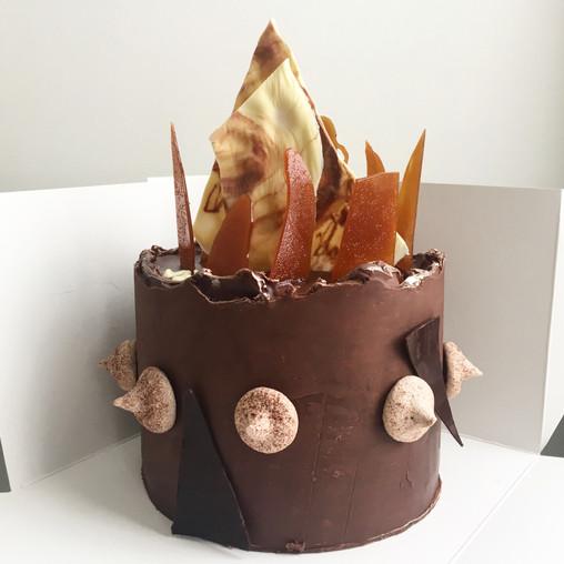 chocolate, caramel, ganache, caramel and chocolate decorations, meringues