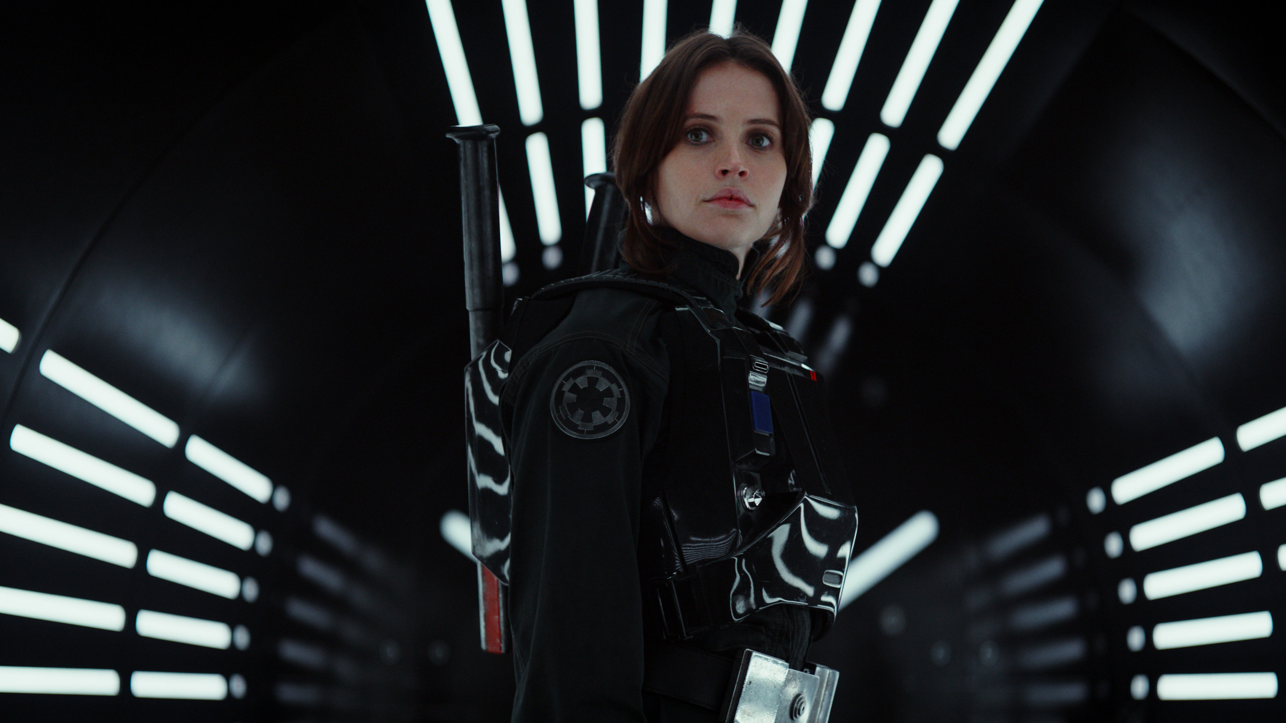 Jyn Erso in disguise.