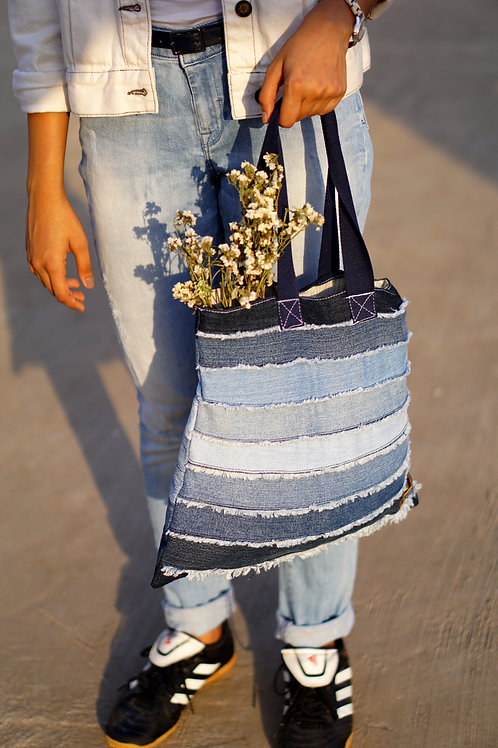 Shaded Frayed Tote