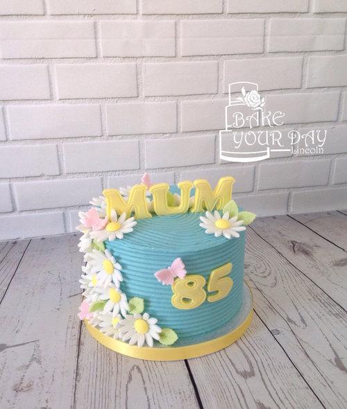 Daisy & Butterfly Cake