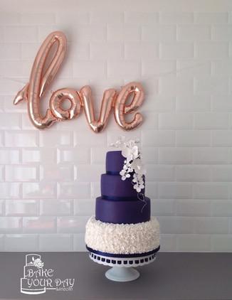 Navy & Ruffles Wedding Cakwe