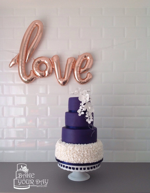 Navy & Ruffles Wedding Cakwe