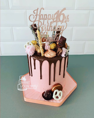 Sweet 16 Drip cake.jpeg