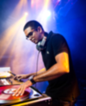 Sri Lankan DJ, Baila DJ, DJ Dinushan, DJ outlost