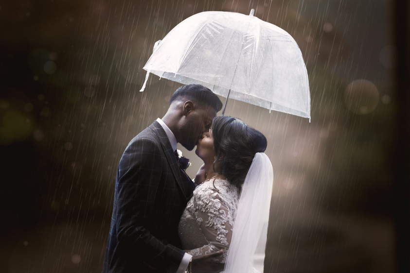 Robbie + Jess -In the Rain.jpg
