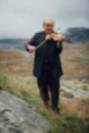 Knut Fausko, spelemann i vigsle.jpg