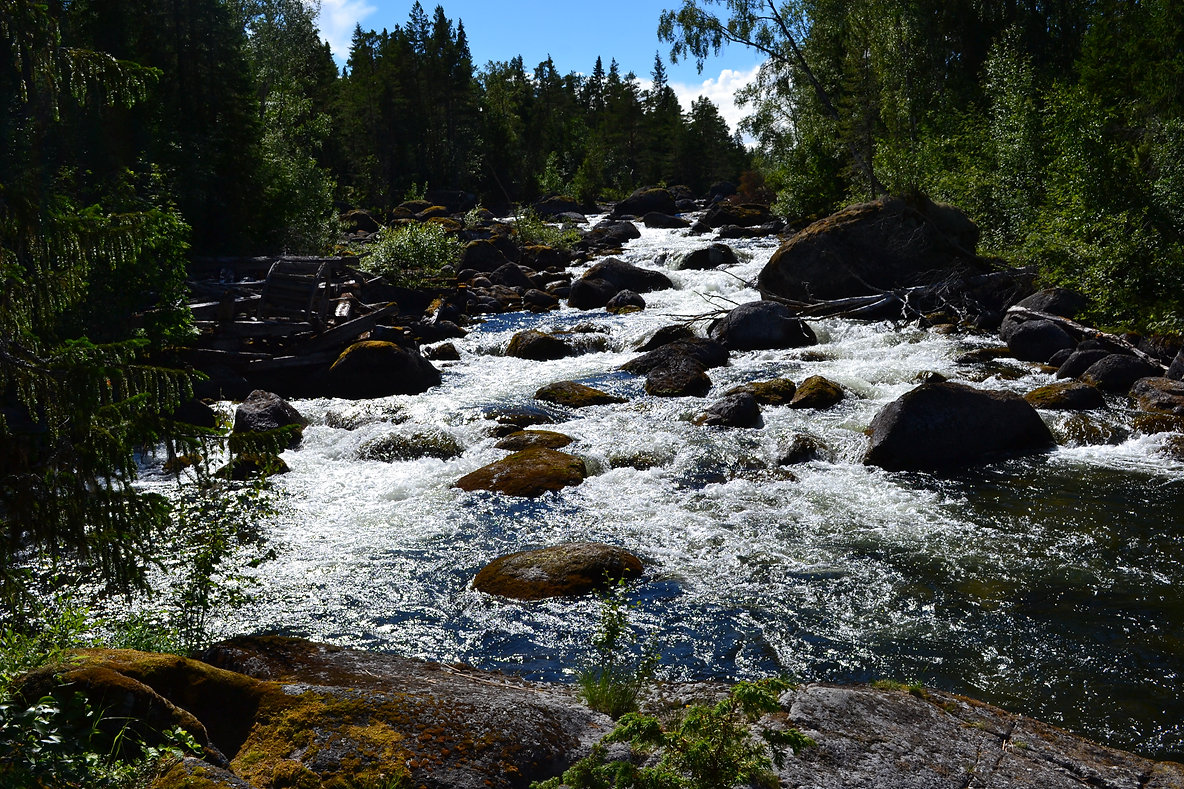 Gimån, in Region Jämtland. Ein Fluss in Norrland, Nordschweden in der Region Jämtland. Schweden Foto.