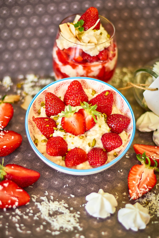 Kokosnuss Reis mit Erdbeeren