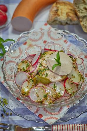 Geflügel-Fleischwurstsalat
