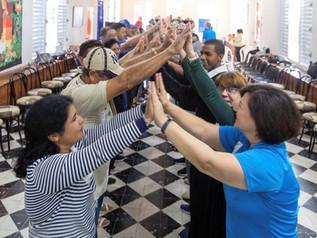 Together, A Bridge of Service (Juntos, un Puente de Servicio)