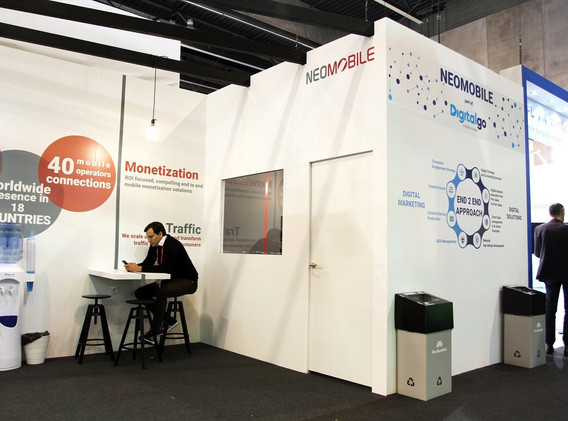 STAND NEOMOBILE