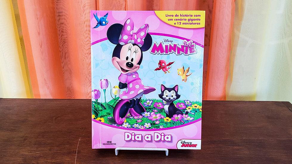 """Livro com Miniaturas """"Minnie - Dia-Dia"""""""
