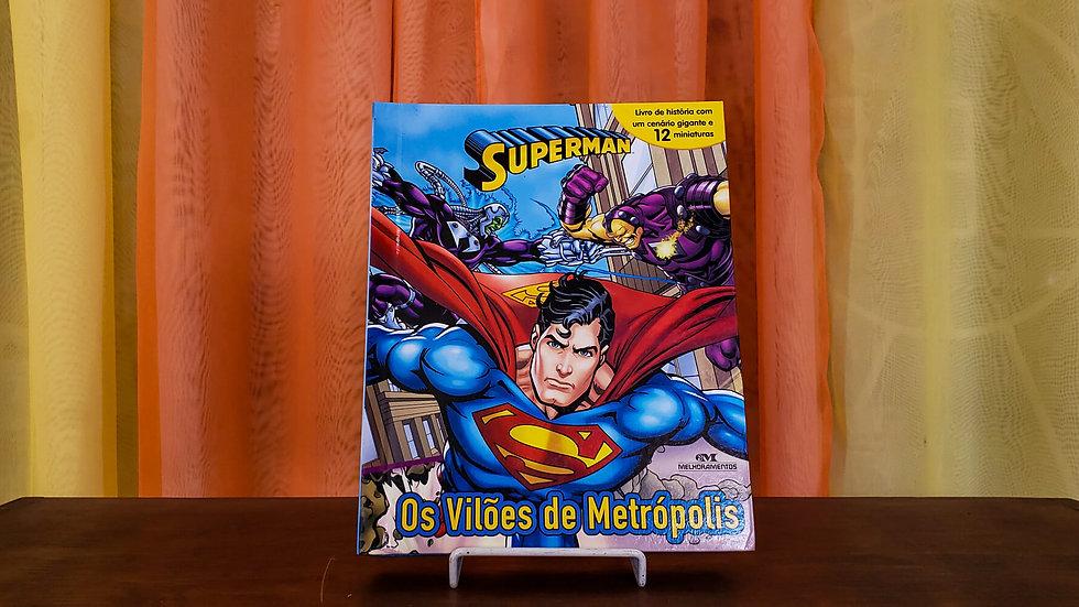 """Livro com Miniaturas """"Superman - Os Vilões de Metrópolis"""""""