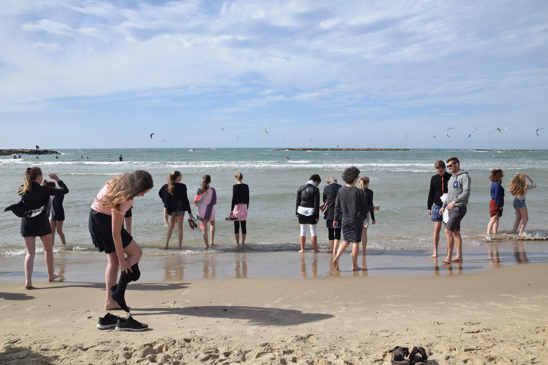 Pigerne sopper i Middelhavet