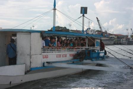 guimaras+boat+ride.jpg