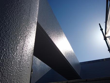 外壁塗装では艶ありと艶なしのどちらを選ぶべき?