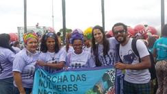 Marcha das Mulheres Negras: Nossos passos vem de longe... Uma sobe e puxa a outra!
