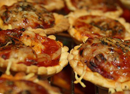 35 Mini Pizzas