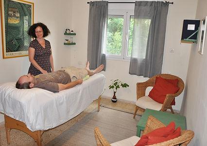 טלי בר | דיקור סיני בחיפה | רפואה סינית גוף נפש