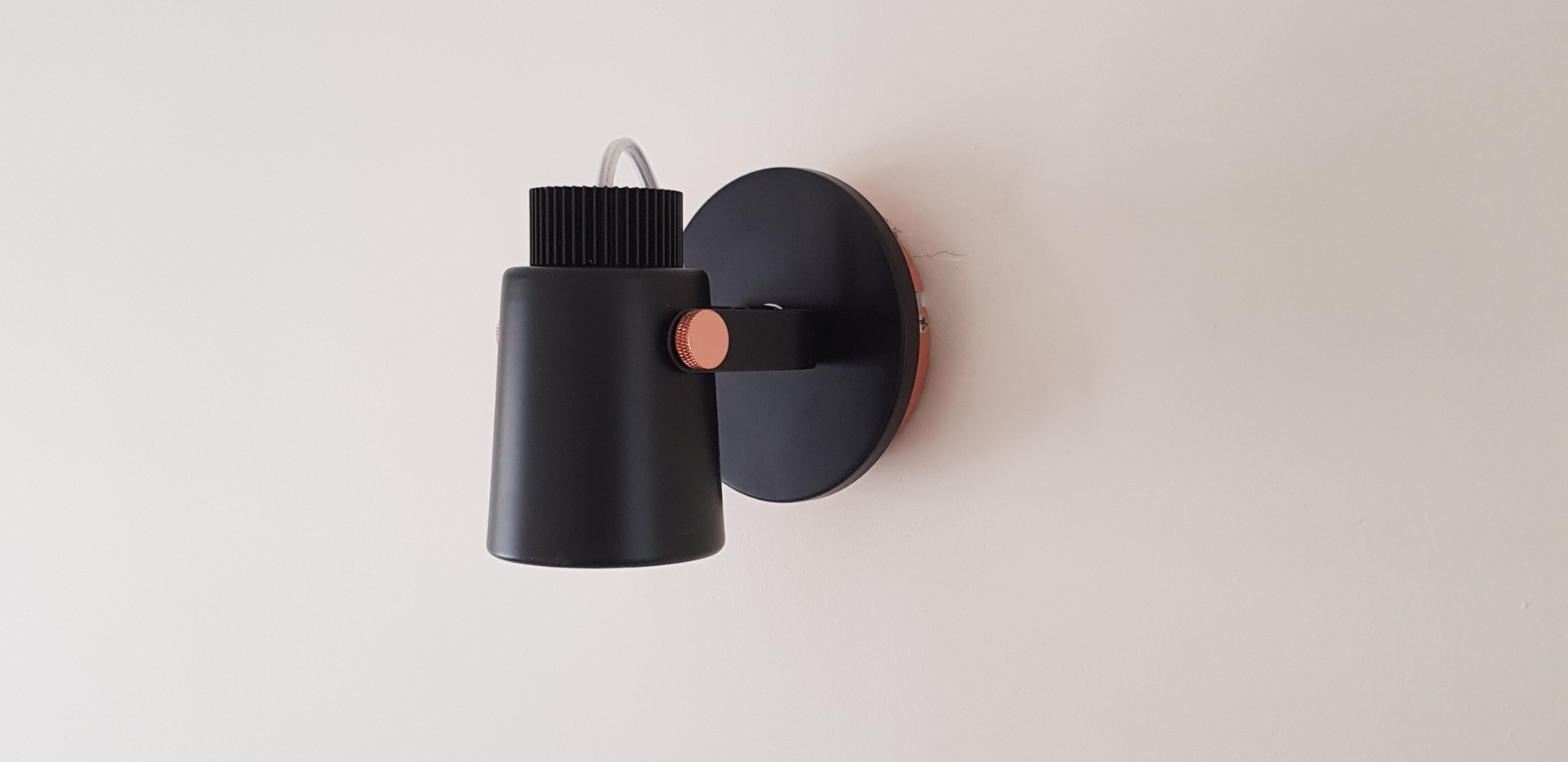 Wall light fitting insatllation