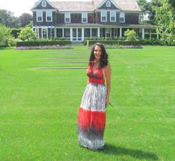Ina Garten gail in front of House - Copy.jpg