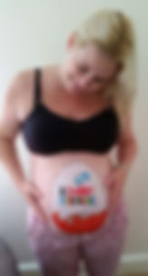 Bump painting. Body painting. Maternity art.