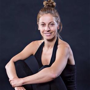 Yoga meets Pilates mit Sylvia Weikert