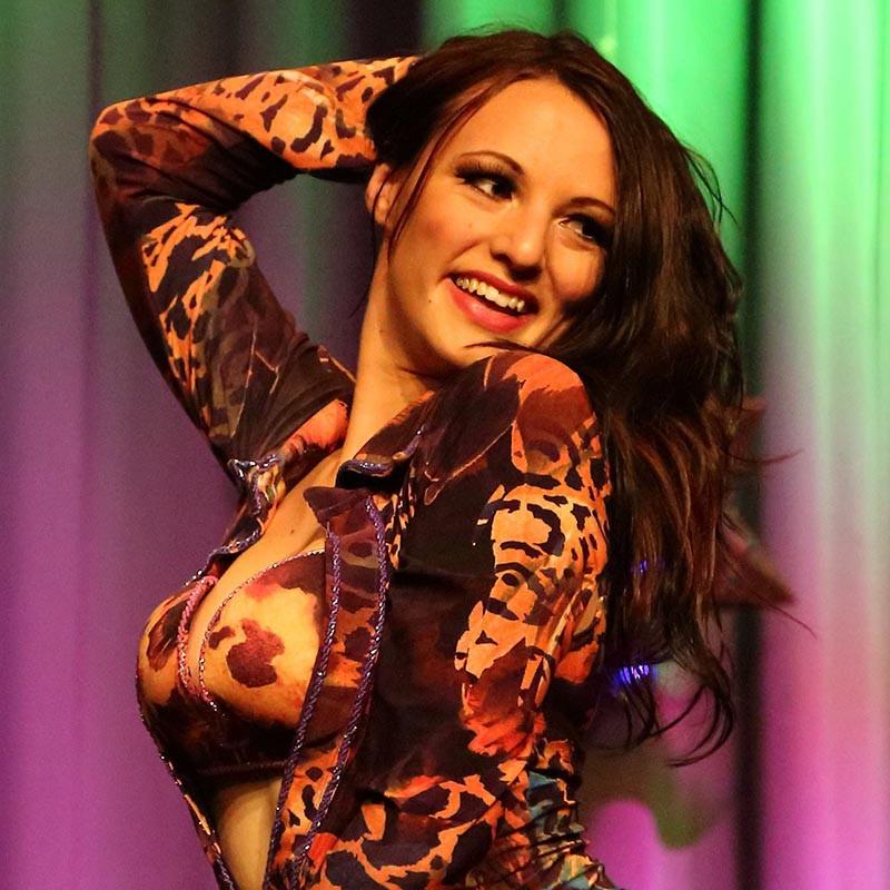 Nadine Bernhard