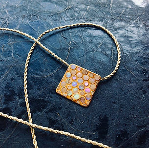 Order made urushi jewellery by Mio Heki