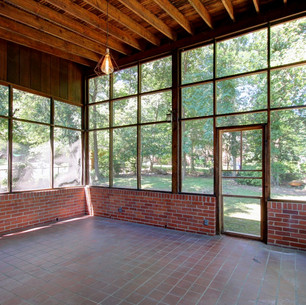 Amazing screen porch! Great price!
