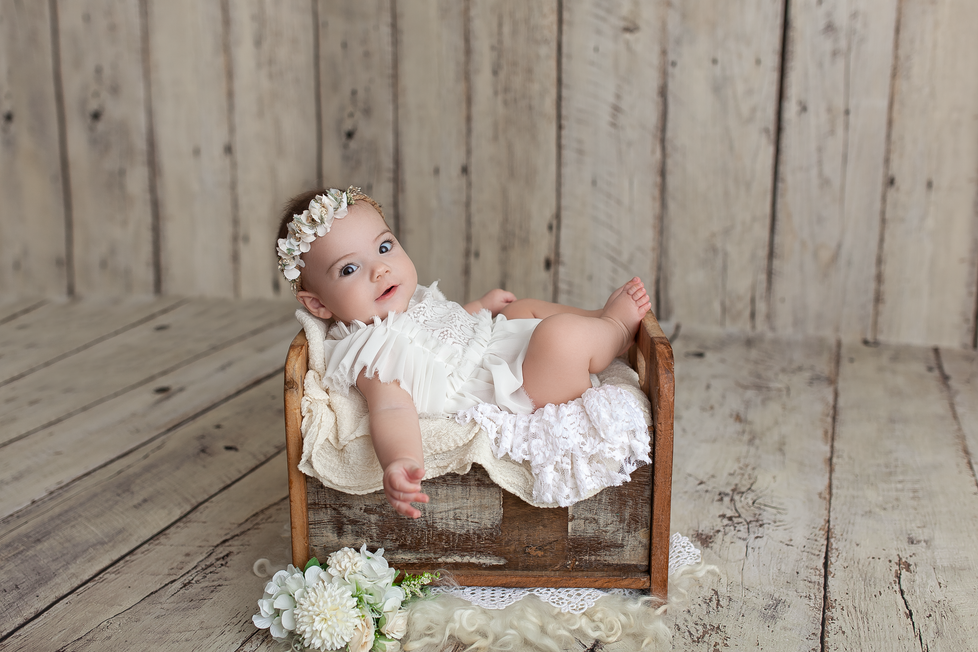 AMELIA BAPTISM MINI SESSION | HAMILTON ONTARIO PHOTOGRAPHY | PHOTOGRAPHER IN HAMILTON ON
