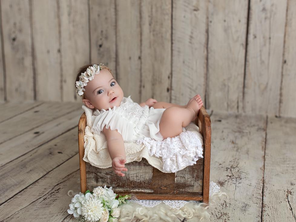 AMELIA BAPTISM MINI SESSION | HAMILTON ONTARIO PHOTOGRAPHY | PHOTOGRAPHER IN HAMILTON ON