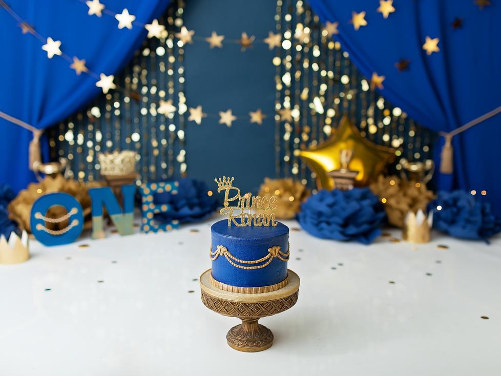 PRINCE CAKE SMASH SESSION | HAMILTON ONTARIO CAKE SMASH SESSION | CHILD PHOTOGRAPHER IN HAMILTON ONT