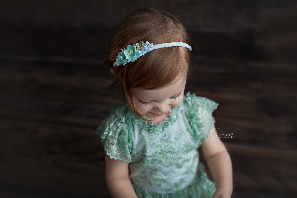 MILESTONE SITTER SESSION | HAMILTON ONTARIO SITTER SESSION | CHILD PHOTOGRAPHER IN HAMILTON ONTARIO