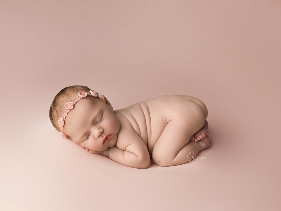 BABY A   NEWBORN SESSION   HAMILTON ONTARIO NEWBORN SESSION   NEWBORN PHOTOGRAPHER IN HAMILTON ONTAR