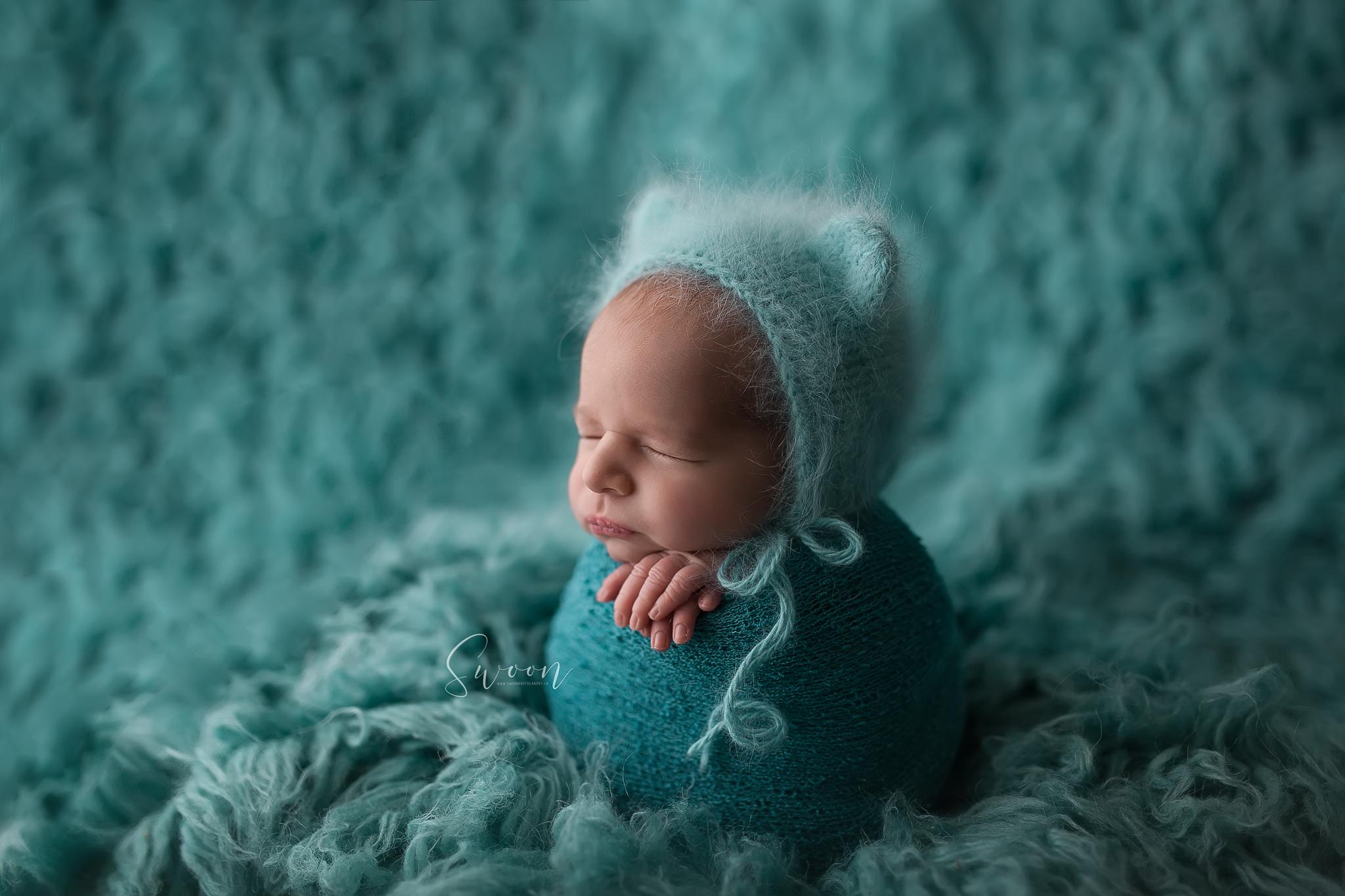 newborn potato sac pose