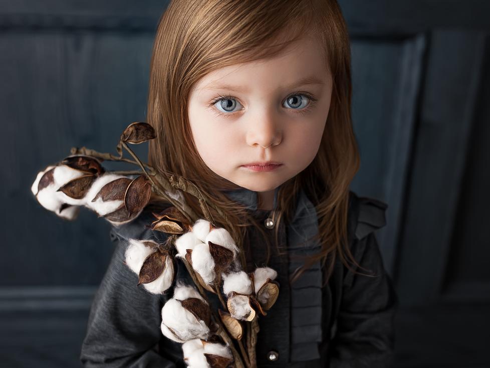 EMILY   TODDLER SESSION   HAMILTON ONTARIO PORTRAIT SESSION   CHILD PHOTOGRAPHER IN HAMILTON ONTARIO