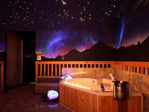 Northern Lights King Suite.jpg