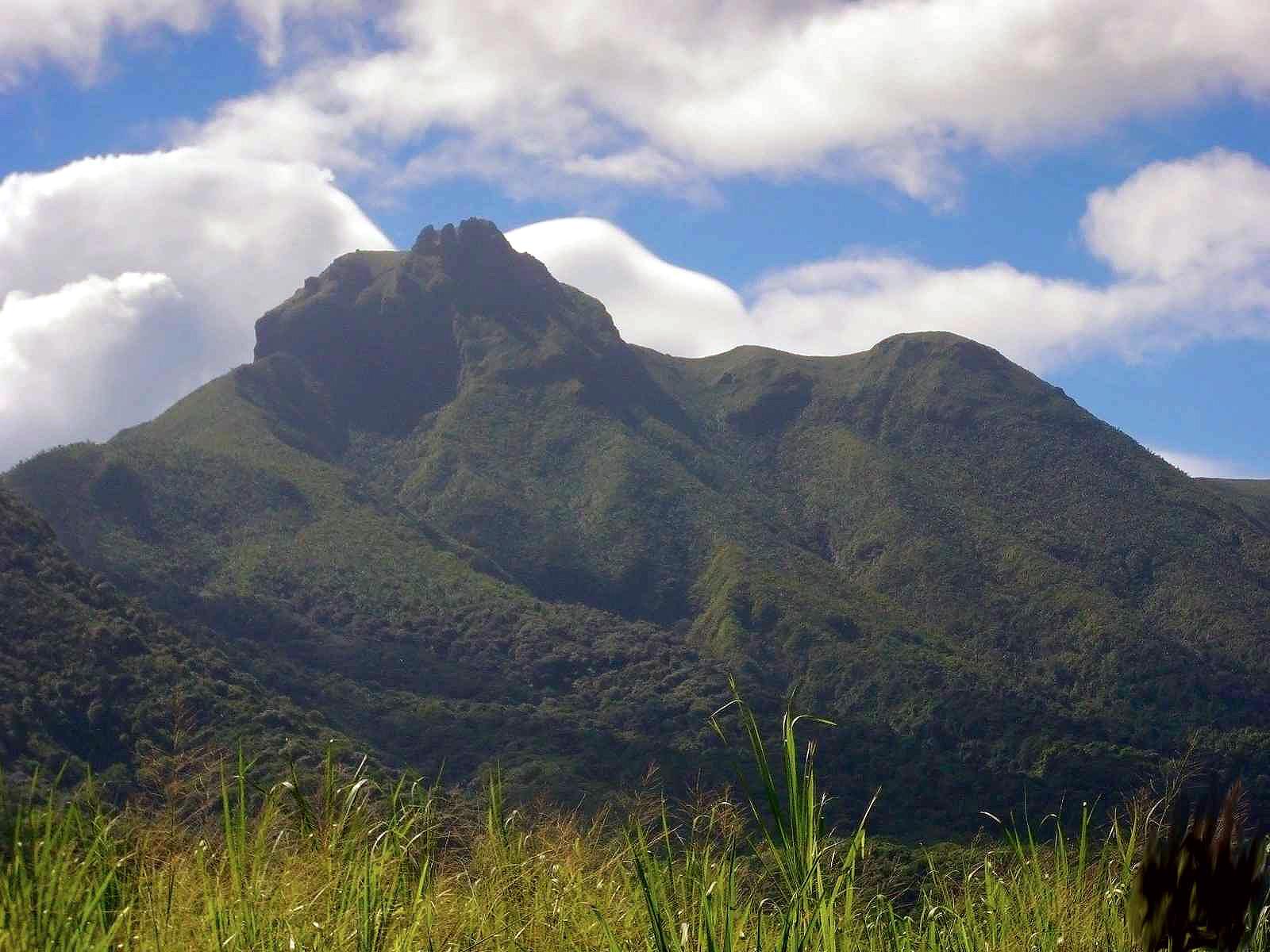Mount Liamuiga.jpg