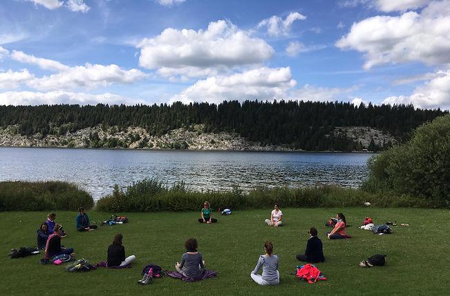 Yoga lac.jpg
