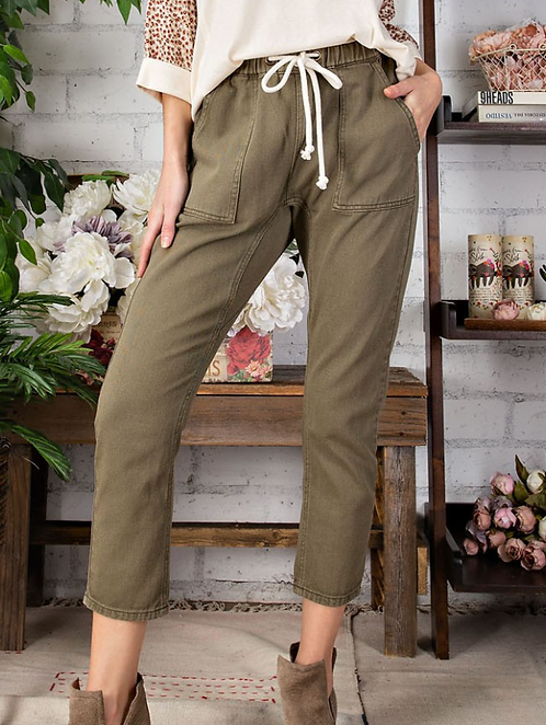 Washed Twill Mom Jean - Olive