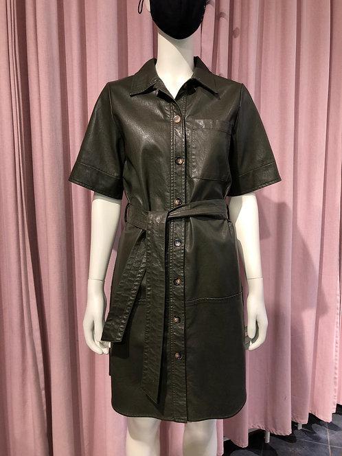Robe courte en faux cuir (2 couleurs)