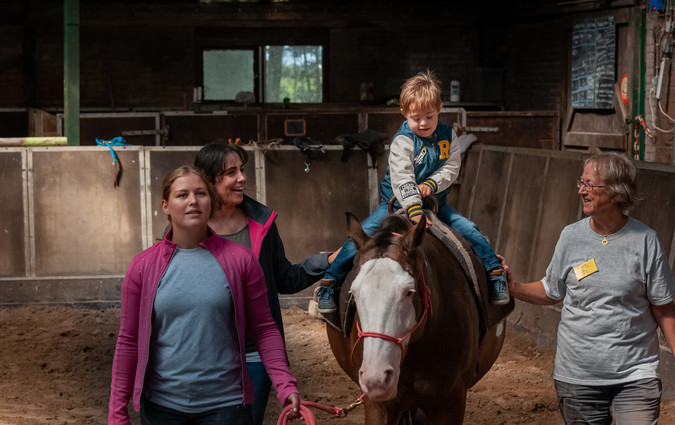Paardrijden gehandicapten - manege Puntenburg