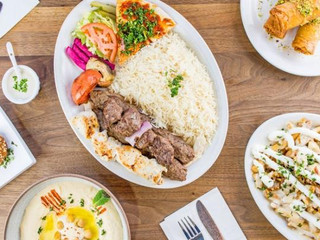 Global Fusion of Flavours in the Halal Food Industry of Toronto