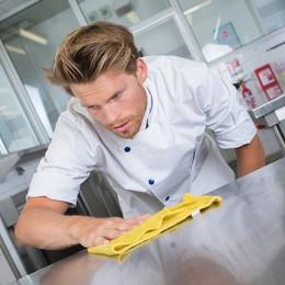 Em serviços alimentícios, a coerência da limpeza com a segurança alimentar é fundamental para as emp