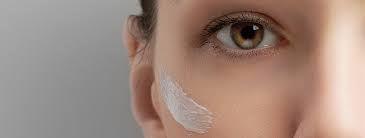 Needle-free Eye-Contour Mesotherapy